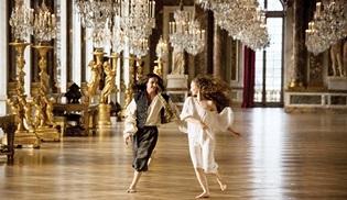 CANNESERIES'in açılışını Versailles'ın 3. sezon prömiyeri yapacak