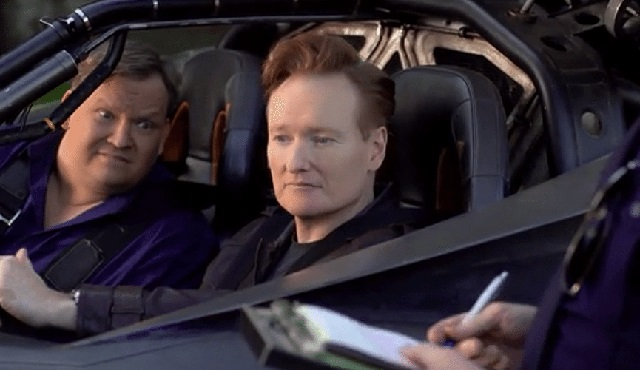 Conan O'Brien, Batmobile ile tura çıktı