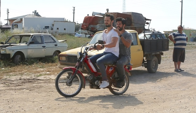 ''Kardeşim Benim'' çekimlerinde oyuncuların mobiletle imtihanı!