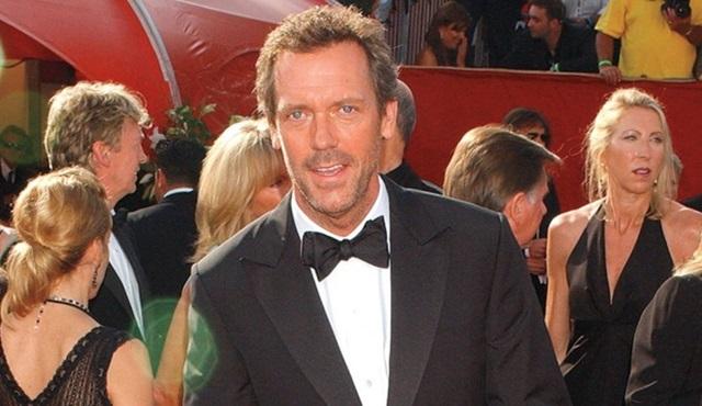 Hugh Laurie, Hulu dizisi Catch-22'nin kadrosunda