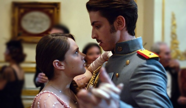 Vatanım Sensin'de çok konuşulan Hilal ile Leon'un dans sahnesi!
