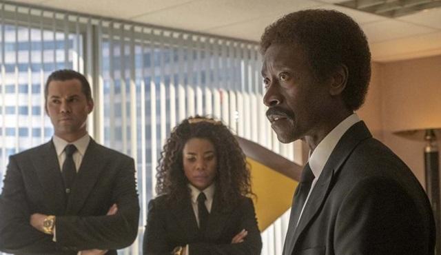Black Monday dizisi ikinci sezon onayını aldı