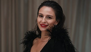 Selin Yeninci, 'En iyi yardımcı kadın oyuncu' ödülünü kazandı!