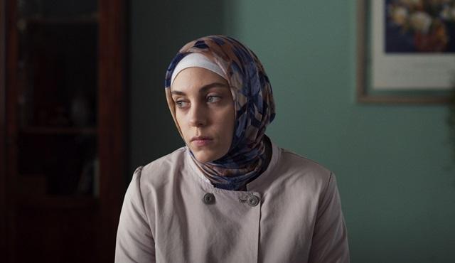 Berkun Oya imzalı yeni Netflix dizisi Bir Başkadır, 12 Kasım'da başlıyor