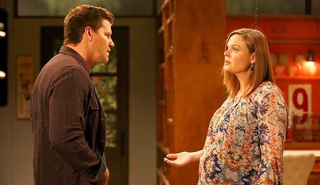 Bones: Brennan ve Booth'un yeni bebeğinin cinsiyeti belli oldu