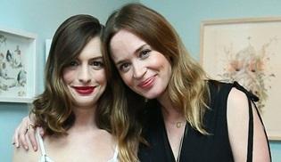 Lip Sync Battle'da bu hafta Anne Hathaway ile Emily Blunt sahnede