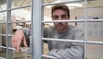 Inside World's Toughest Prisons: Bir gazeteci gönüllü olarak hapse girerse?