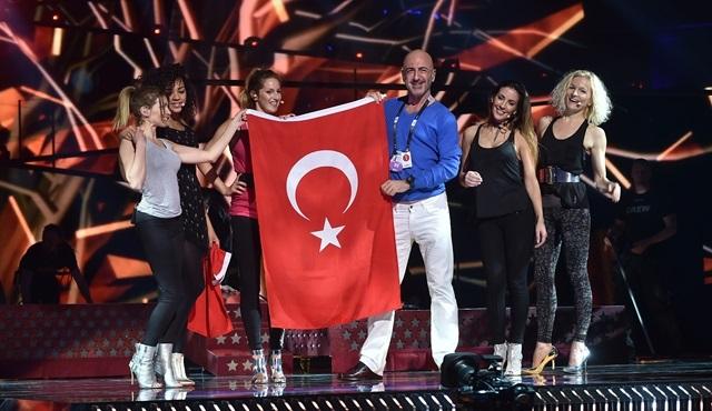 Serhat Hacıpaşalıoğlu, Türkiye bayrağını Eurovision'a taşıdı!