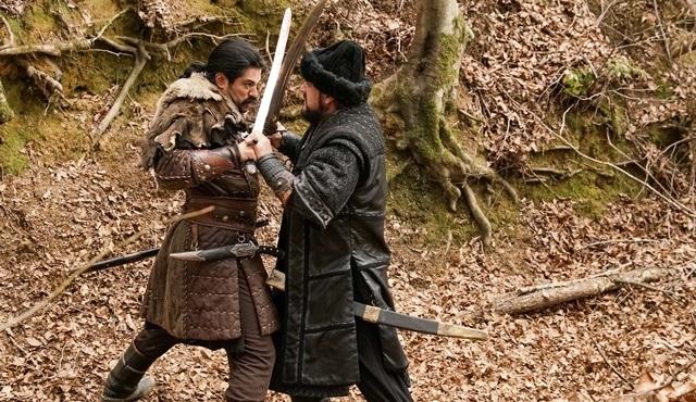 Osman Bey, Dündar'a ihanetinin bedelini ödetiyor!