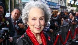 Margaret Atwood, The Handmaid's Tale'in devam kitabını yazıyor