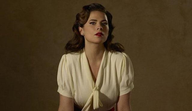 Agent Carter'ın 2. sezonundan bir sahne daha geldi