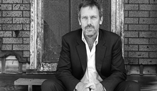 Hugh Laurie, BBC'nin Roadkill dizisinin kadrosuna dahil oldu