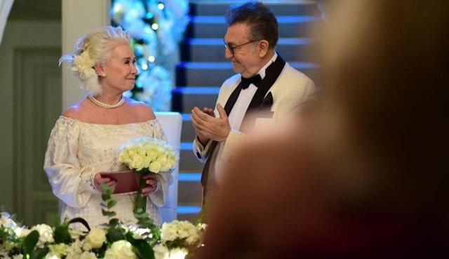 İstanbullu Gelin: Esma ve Garip'in düğününden kareler ilk kez RaniniTv'de!