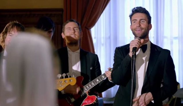 Maroon 5'in Sugar klibi program formatı oluyor