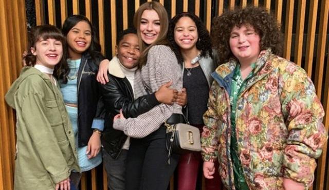 Netflix'ten yeni bir gençlik komedisi geliyor: Team Kaylie
