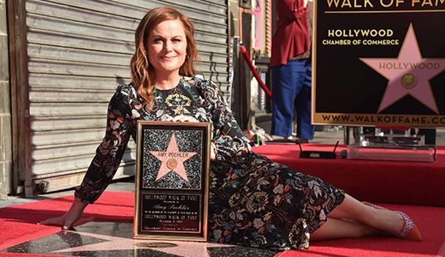 Amy Poehler, Hollywood Şöhretler Kaldırımı'na adını yazdırdı