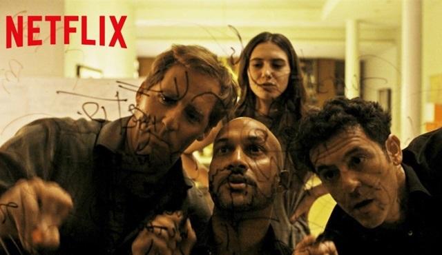 Netflix'in yeni komedisi Friends from College'ın tanıtım fragmanı yayınlandı