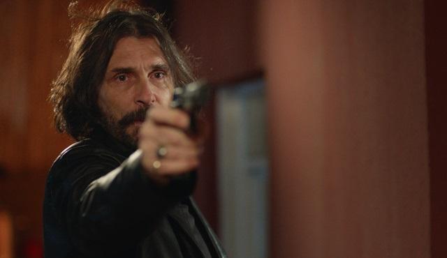 Behzat Ç. dizisi sezon finali bölümüyle BluTV'de ekrana gelecek!