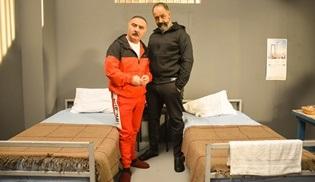 Jet Sosyete dizisine bu hafta Mehmet Özgür konuk olacak!
