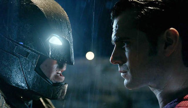 Batman v Superman için Honest Trailer geldi