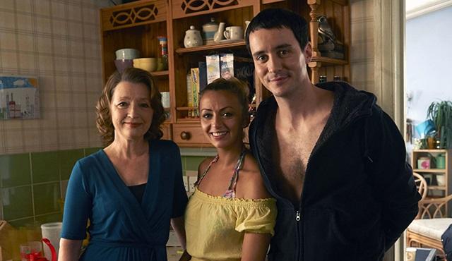 BBC, Mum dizisine 2. sezon onayı verdi