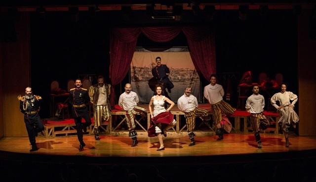 Gülmekten ağlatan müzikli oyun: 'İstibdat Kumpanyası'