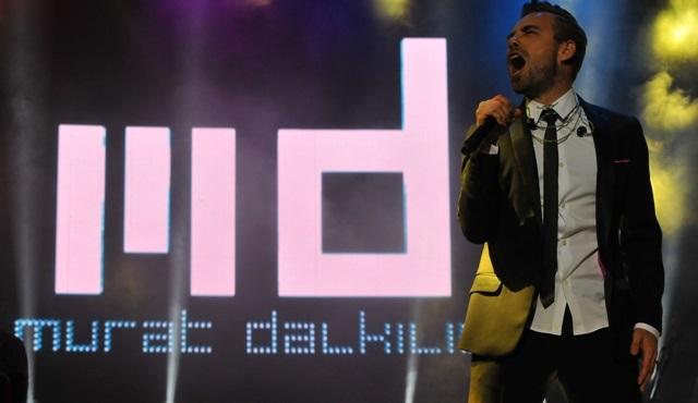Murat Dalkılıç, Harbiye Cemil Topuzlu Açıkhava Sahnesi'nde ilk konserini gerçekleştirdi!