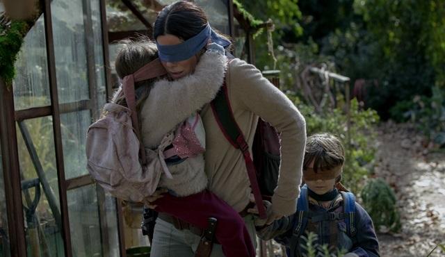Netflix, Sandra Bullock'lu yeni filmi Bird Box'un resmi fragmanını ve afişini paylaştı!