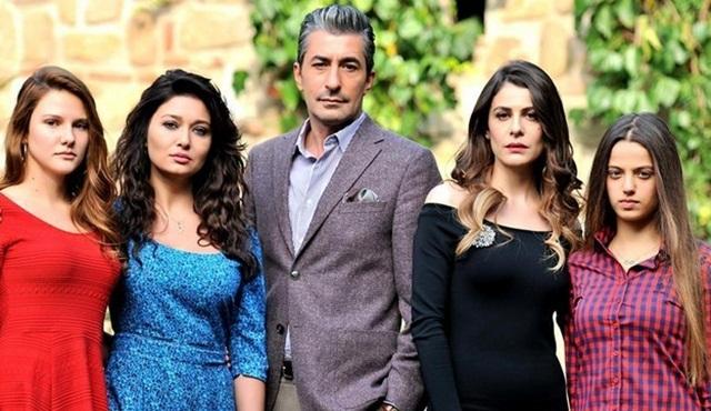 Ve beklendiği gibi Paramparça'nın yönetmeni Altan Dönmez oldu!