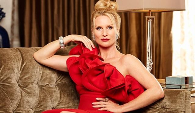 Nicollette Sheridan, Dynasty dizisiyle televizyona dönüyor