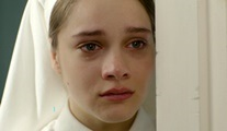 Vatanım Sensin: Yaralı bir kız çocuğu; Hilal