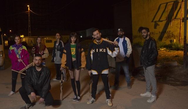 Yaşamayanlar'ın Avcılar ekibi Vampirler'e rap yaparak meydan okudu!