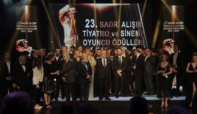 23. Sadri Alışık Tiyatro ve Sinema Oyuncu Ödülleri sahiplerini buldu!
