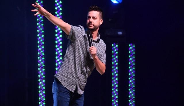 Netflix, taciz iddiaları sonrası John Crist'ın stand-up gösterisini iptal etti