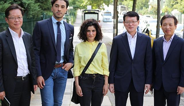 Kore'nin en büyük yayıncı kuruluşu MBC, Seviyor Sevmiyor setini ziyaret etti