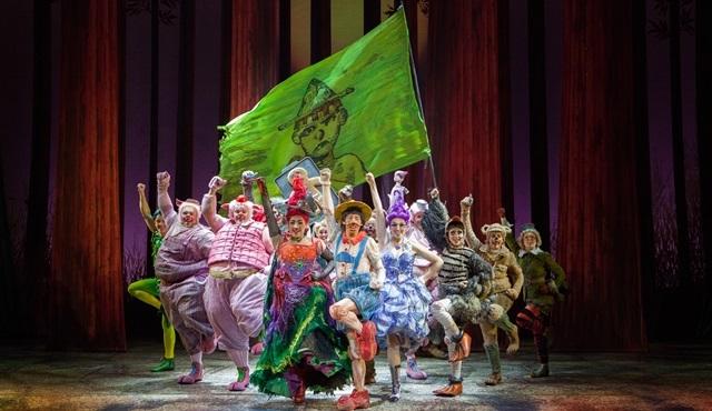 Shrek'in kostüm ve makyaj harikası yapımı İstanbul'a geldi!