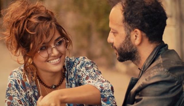 Rıza Kocaoğlu ve Hande Erçel aynı klipte buluştu!