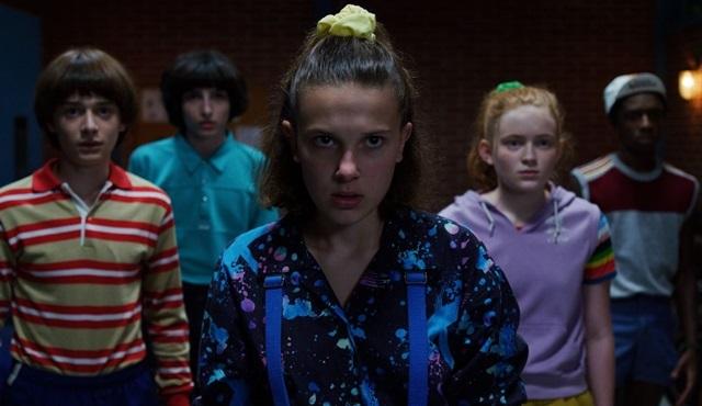 Netflix, geçtiğimiz bir yıl içinde en çok izlenen orijinal yapım filmlerini ve dizilerini açıkladı