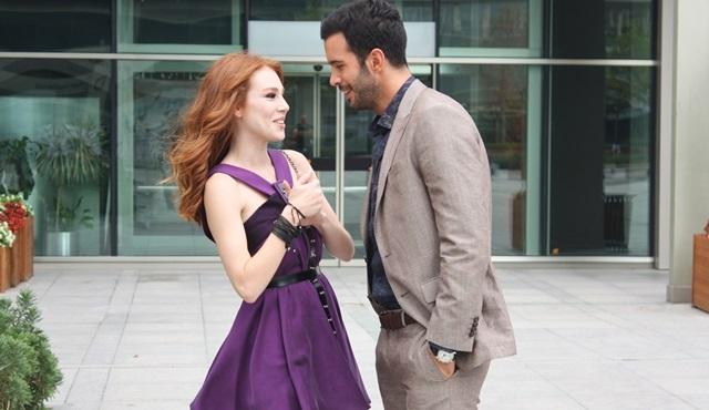 Kiralık Aşk: Ömer and Defne are head over heels in love!