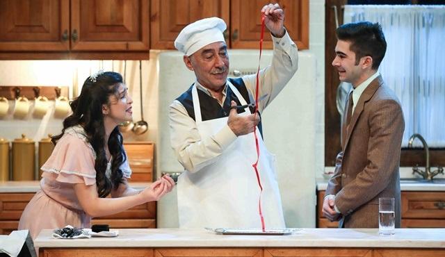 Zengin Mutfağı oyunu Açıkhava turnesine bir gün daha ekledi!