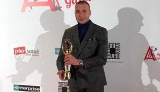 Görkem Sevindik 'En İyi Yardımcı Erkek Oyuncu' ödülüne layık görüldü!
