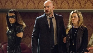 Arrow 7. sezon öncesi bir oyuncusuna daha veda edecek