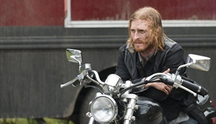 Austin Amelio, Fear the Walking Dead'e transfer oldu