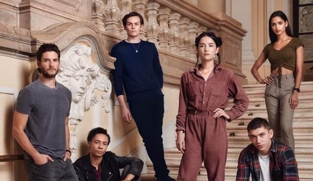 Netflix'ten roman uyarlaması yeni bir dizi geliyor: Shadow and Bone