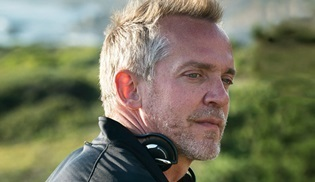 HBO ve Jean-Marc Vallée'den yeni bir dizi geliyor: Gorilla and the Bird