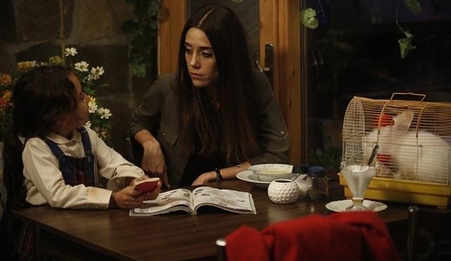 Sosyal TV | Star Tv dizisi Anne'nin ilk bölümü çok konuşuldu!