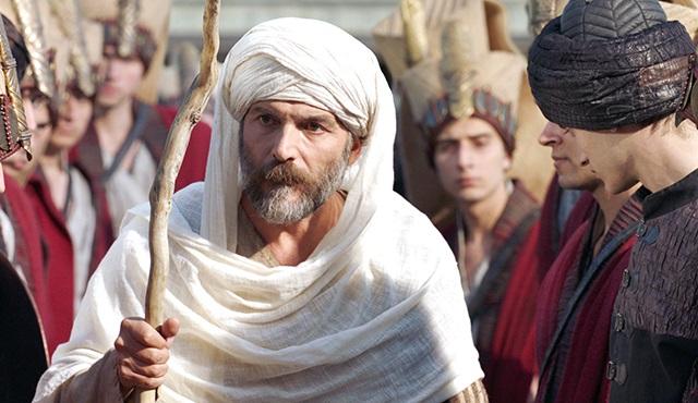 Muhteşem Yüzyıl Kösem: Dün geceye Muhammet Uzuner konuk oldu