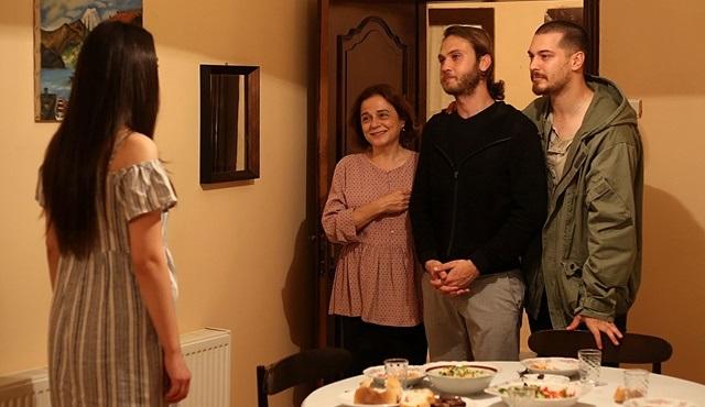 İçerde dizisinde Eylem de Mert'in gerçek kimliğini öğreniyor!