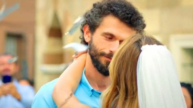 Çatı Katı Aşk: Sevdim, seviyorum, sevecek miyim?
