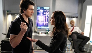 Brandon Routh ve Courtney Ford, Legends Of Tomorrow'dan ayrıldı